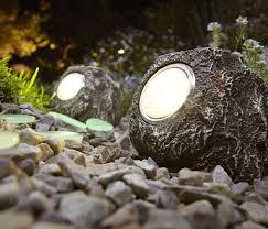 lampy ogrodowe, oczko wodne, oświetlenie ogrodu